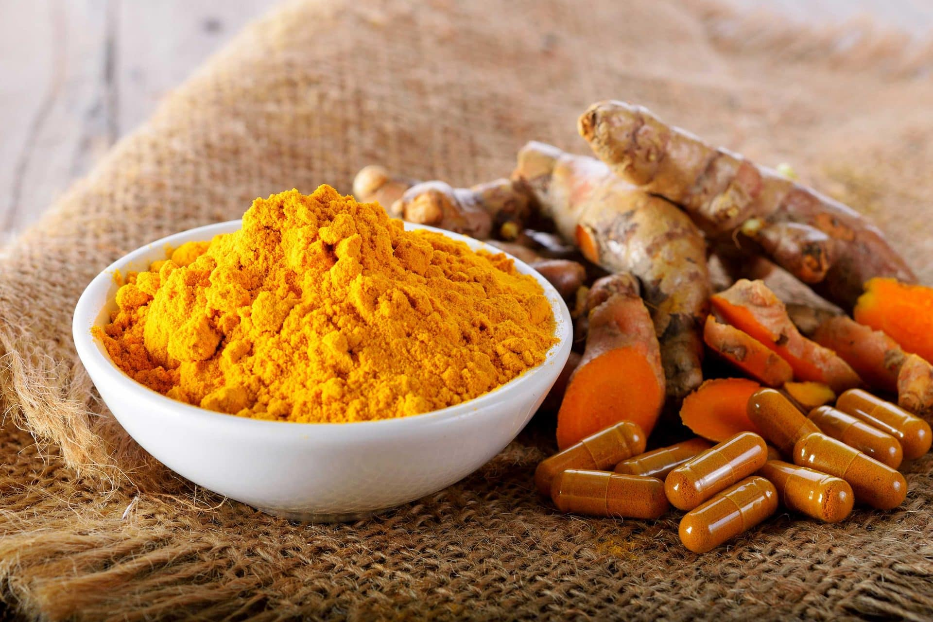 Curcumin has many health benefits.